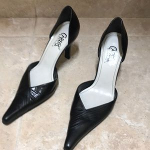 Carlos Santana Black Pointed Pumps